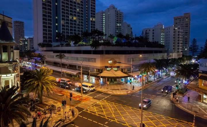 Piazza on the Boulevard Surfers Paradise